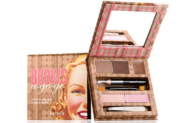 benefit Brows a-go-go eyebrow palette 1st June 2015