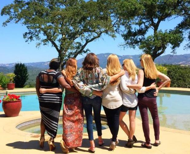 Caitlyn Jenner states 'trans is beautiful' as she shares photo with friends, 6 June 2015