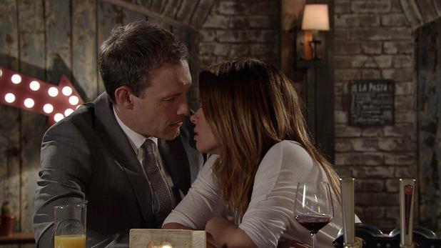 Corrie, Nick and Carla kiss, Fri 12 Jun