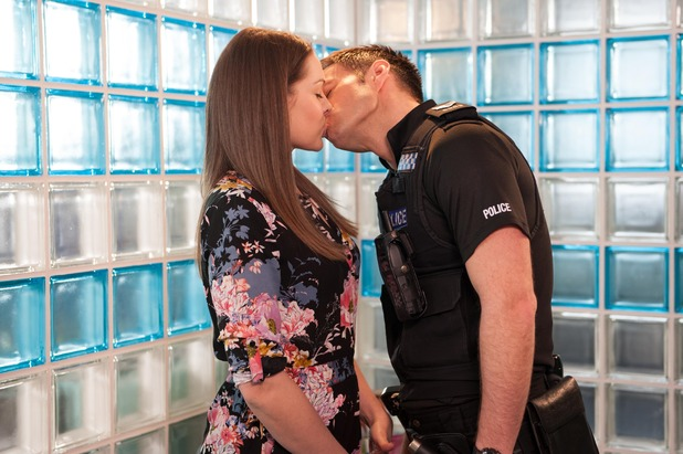 Hollyoaks, Sienna kisses Ben, Thu 11 Jun