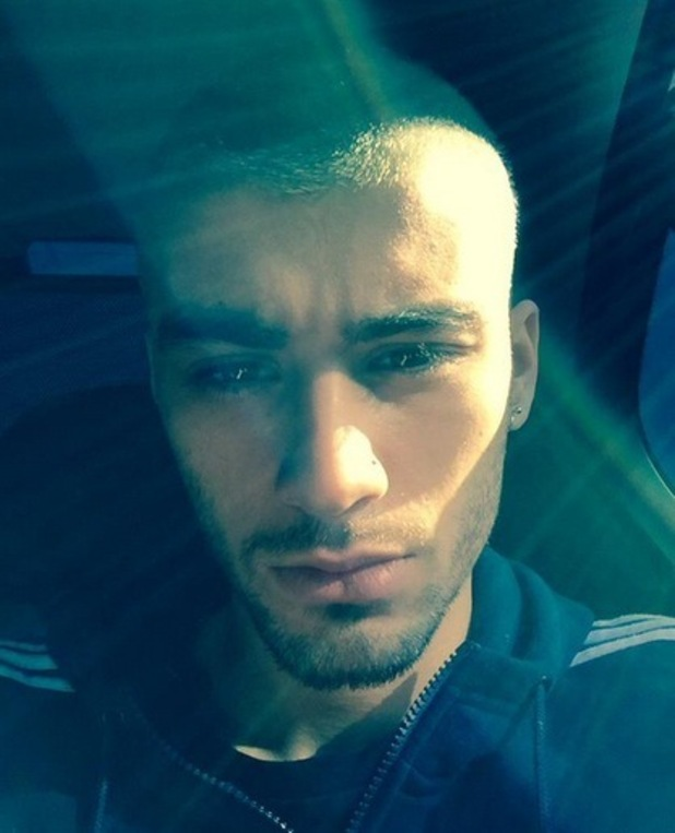 Zayn Malik dyes hair platinum blonde, Twitter 10 June