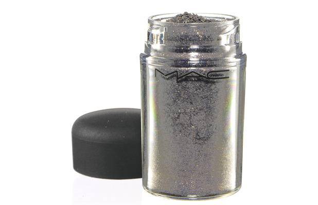 MAC Cosmetics glitter pigment in platinum £17, 22nd June 2015