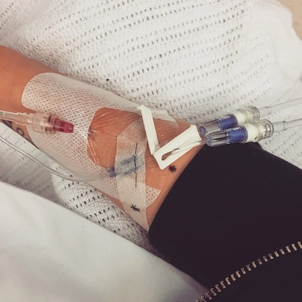 Jessie J shares picture of arm from hospital bed, 27 June 2015