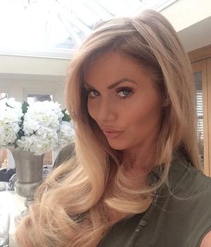 Amy Childsm blonde selfie, June 12 2015