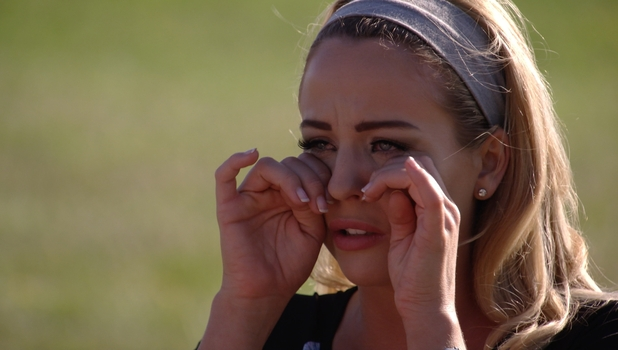 Lydia Bright breaks down in tears as things with James 'Arg' Argent comes to a head, 5 July 2015