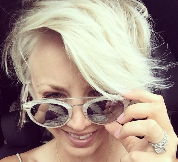 Kaley Cuoco-Sweeting dyes her hair blonde again, Instagram 29 June