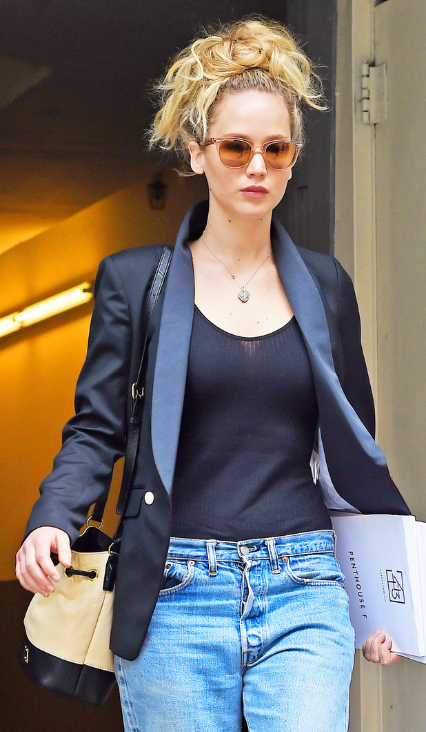 Jennifer Lawrence house hunting in New York, 7th July 2015