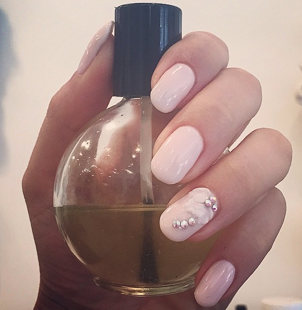Stacey Solomon selfie of freshly manicured pale pink, diamante nails, 10 July 2015