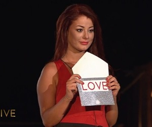 Jess Hayes picks love after winning Love Island 15 July