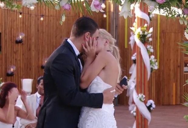 Hannah Elizabeth and Jonathan Clark get engaged, Love Island 15 July