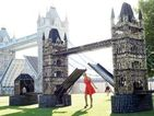 Giant working model of Tower Bridge created with 83,000 old batteries!