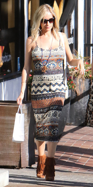 Pregnant Kristin Cavallari does some shopping at Bel-Bambini, West Hollywood, 24 July 2015