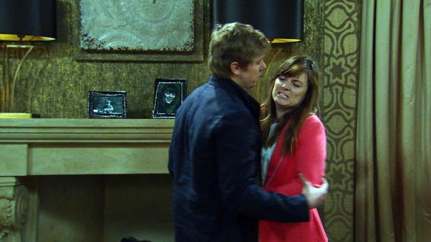 Emmerdale, Robert tries to talk to Chrissie, Mon 27 Jul