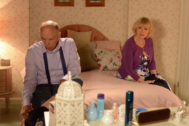 EastEnders, Pam and Les talk, Fri 31 Jul