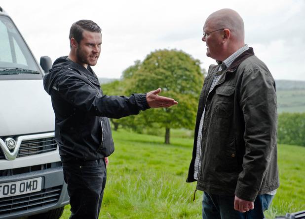 Emmerdale, Paddy tells Aaron what Robert did, Tue 21 Jul