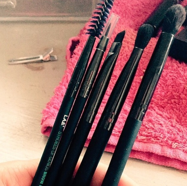 Michelle Heaton takes to Instagram to share collection of new make-up brushes by L.A.B.2 21st July 2015