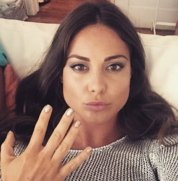 Louise Thompson shows off gold nails and gorgeous post-holiday tan, 21 July 2015