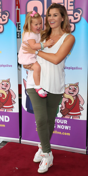 Imogen Thomas and daughter Ariana at West End premier of The 3 Little Pigs 6 August