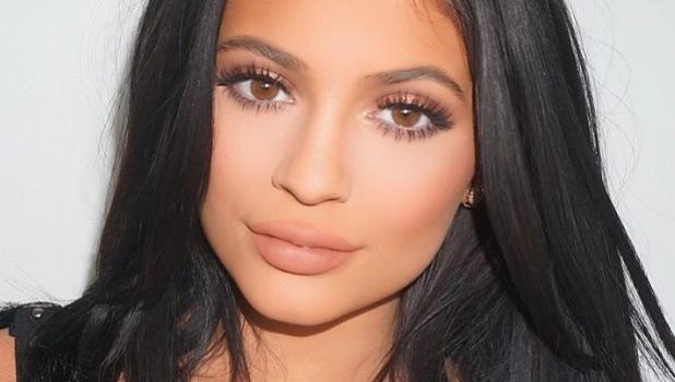 Kylie Jenner make-up selfie by Ariel Tajada, Instagram 5th August 2015