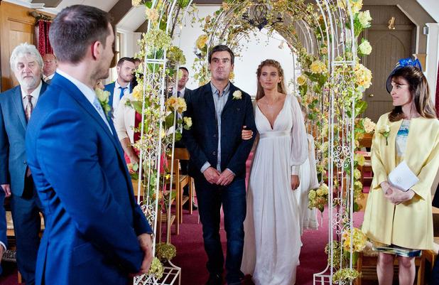 Emmerdale, Debbie weds Pete, Tue 4 Aug