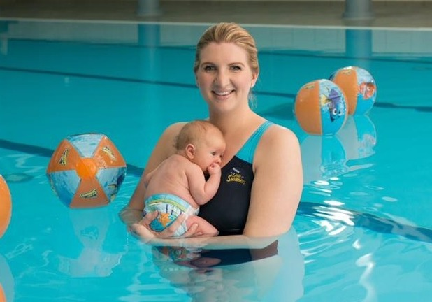Rebecca Adlington takes daughter Summer for her first swim - 6 August 2015