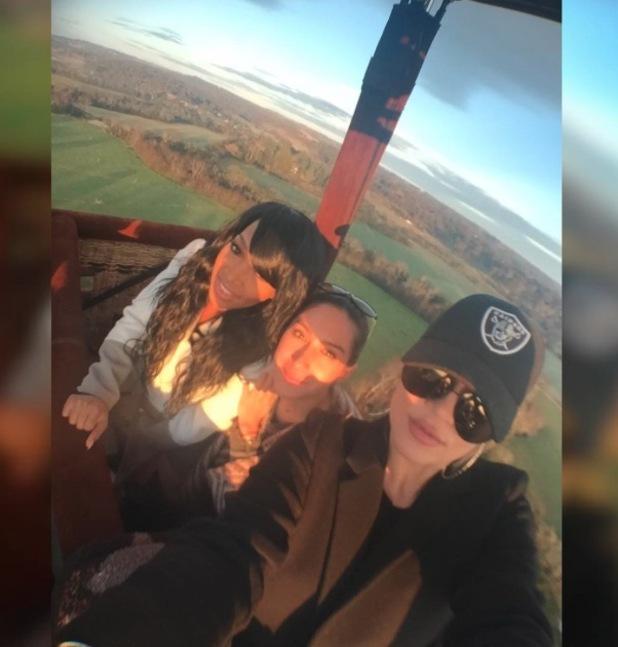 Khloe Kardashian takes hot air balloon selfie, 3rd August 2015