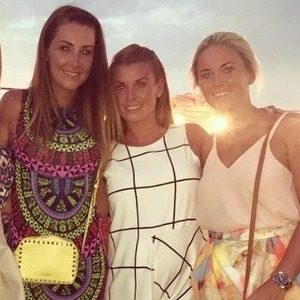 Pregnant Coleen Rooney enjoys a night out with friends - 13 Aug 2015