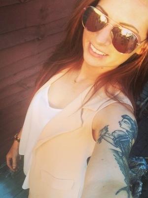 Lauren Richardson shows off new hair 9 August
