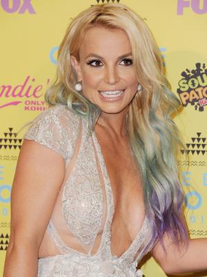 Britney Spears debuts mermaid hair at the Teen Choice Awards in LA, California, 16 August 2015