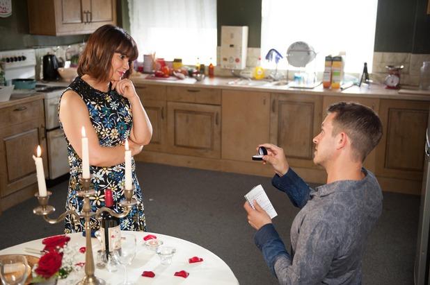 Hollyoaks, Darren wants to propose to Maxine, Fri 21 Aug