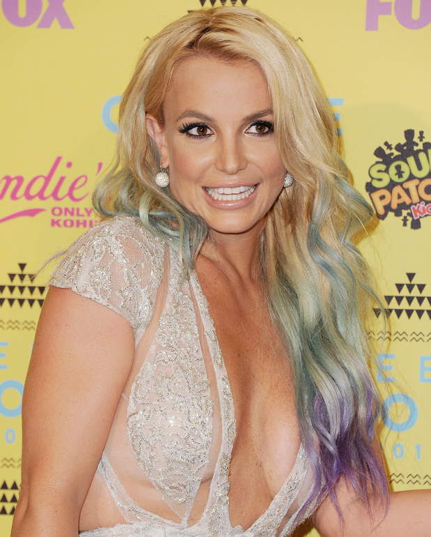 Britney Spears debuts mermaid hair at the Teen Choice Awards in LA, California, 16 August 2015