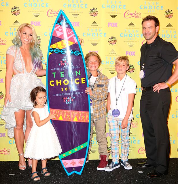 Britney Spears, Lexie Spears, Sean Preston Federline,Jayden James Federline, Bryan Spears at Teen Choice Awards, 16 August 2015