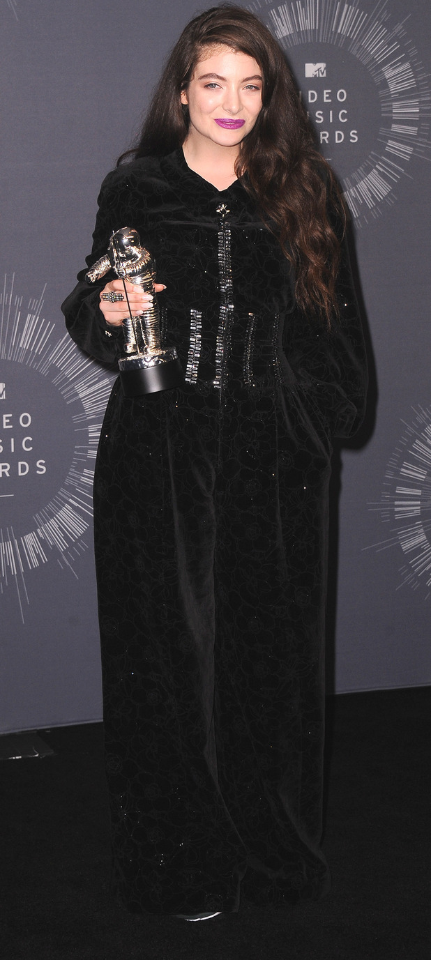 Lorde wears black velour at the MTV VMA's in 2014, 28th August 2015