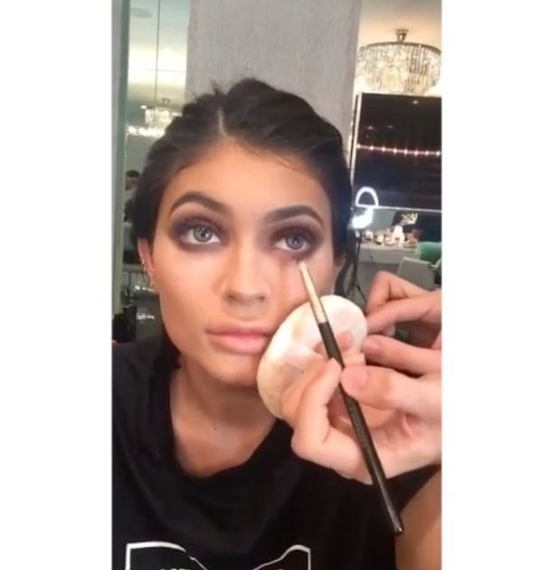 Kylie Jenner shares make-up selfie on Snapchat 24th August 2015