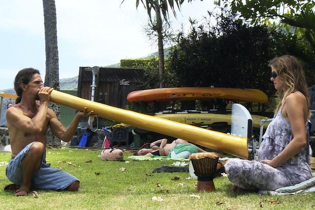 Katie Piper Extraordinary Births - Dorina's husband plays the didgeridoo to their unborn baby