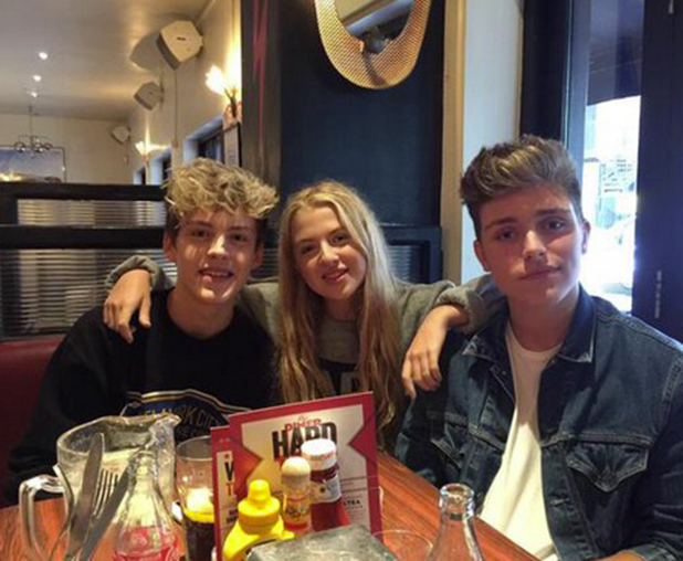 Reece Bibby and Charlie Jones enjoy a catch up with Anais Gallagher 31 August 2015