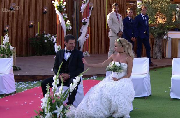 Jonathan Clark and Hannah Elizabeth in wedding task before proposal - 'Love Island Live Final'. Broadcast on ITV2 HD. 15 July 2015.