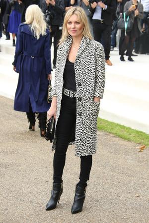 Kate Moss arrives at London Fashion Week Spring/Summer 2016 - Burberry, 21st September 2015