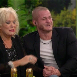 CBB BOTS: Housemates' family tell them they love them - but housemates are separated from them in the garden 23 Sep 2015