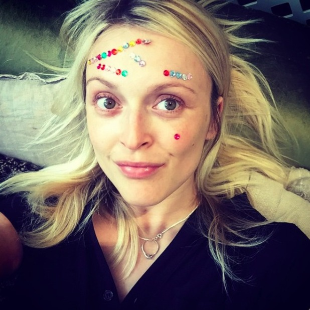 Fearne Cotton gets face art courtesy of her son Rex, October 2015.