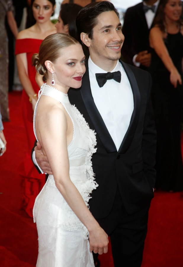 MET Gala 2015 'China: Through The Looking Glass' Costume Institute Benefit Gala at the Metropolitan Museum of Art - Arrivals Amanda Seyfried and Justin Long