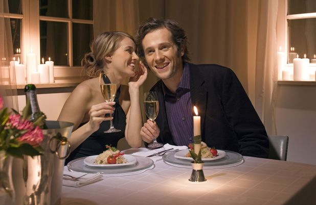 MySingleFriend reveals top spots for first dates. Couple on a dinner date.