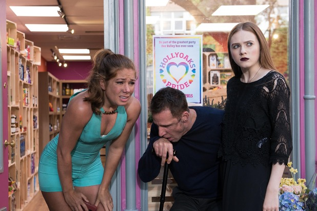 Hollyoaks, Maxine saves Patrick from the fire, Fri 9 Oct