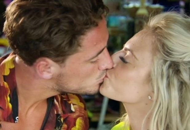 Stephen Bear and Connie Wiltshire kiss, EOTB finale 13 October