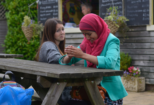 EastEnders, Shabnam confides in Stacey, Fri 16 Oct