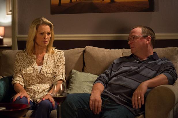 EastEnders, Ian tells Kathy a secret, Tue 20 Oct