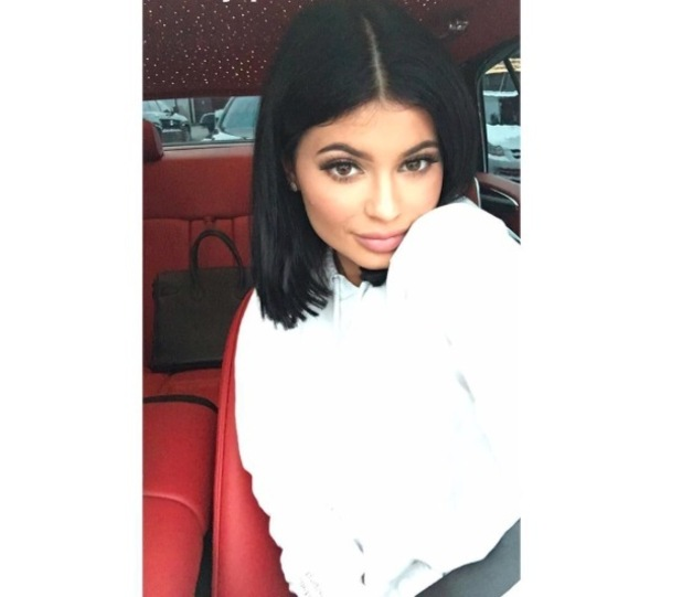 Kylie Jenner shows off her brand new blunt bob on Snapchat, 19th October 2015