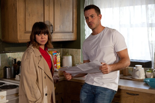 Hollyoaks, Nancy and Darren worried about Charlie, Wed 28 Oct