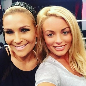 Amanda Saccomanno and Nattie Neidhart, Twitter 25 Sep