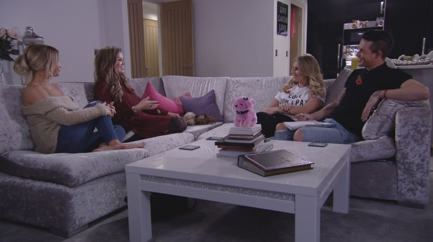 TOWIE: Jessica Wright talks to the girls about her growing intimacy with Pete Wicks. Episode airs: Sunday 8 November 2015.